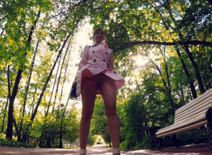 Jeny Smih nude live flash in the park