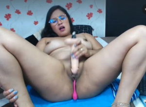 Magnificent latina wanking her fake..