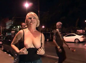 Kinky blondie wife - DreamGirls
