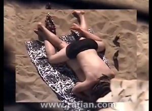 Beach blowjob tearing up caught on..