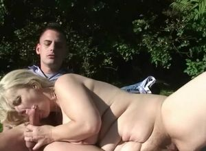 Buxomy blondie mom gets boning on the..