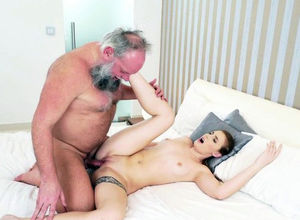 Nubile scum blows grandfather