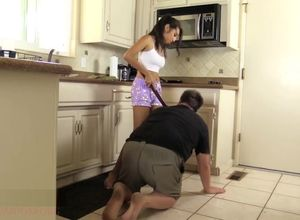 Emp Jenn - Kitchen Beatdown