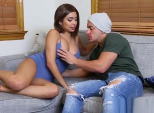 Bald vag Aaliyah Hadid drilled rigid